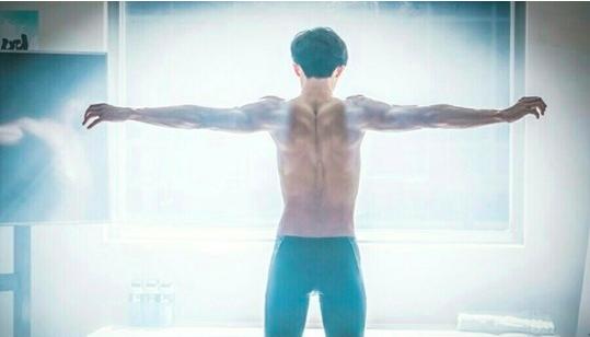 "Nam Joo Hyuk Reveals His Swimmer's Body In New ""Weightlifting Fairy Kim Bok Joo"" Stills"