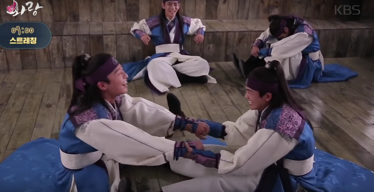 """Watch: The Cast Of """"Hwarang"""" Can't Stop Laughing In Latest Behind-The-Scenes Video"""