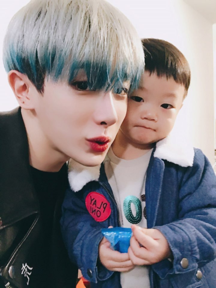 MONSTA X's Wonho Posts Adorable Support Selfie With Daebak