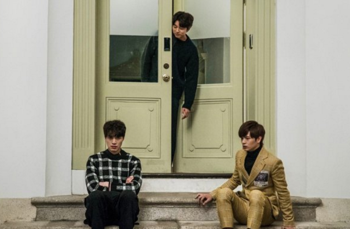 """Gong Yoo, Lee Dong Wook, And Yook Sungjae Are A Handsome Trio In Latest """"Goblin"""" Stills"""
