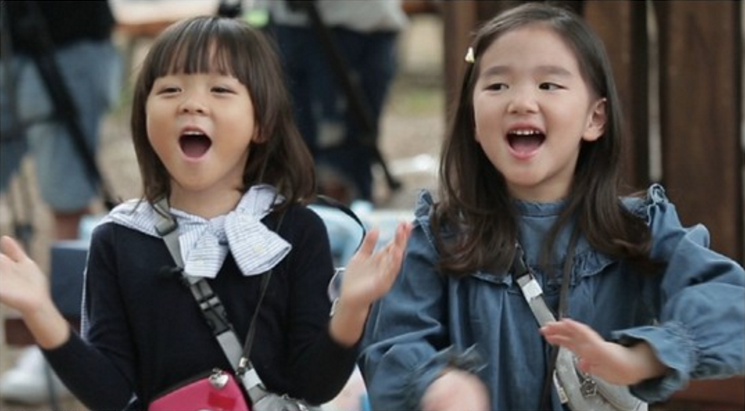 "Choo Sarang And So Eul Bond Over Flea Market Challenge On Upcoming ""The Return Of Superman"""