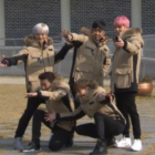 """Sechs Kies Members Imitate Their Old Photoshoot Poses On """"Running Man"""""""