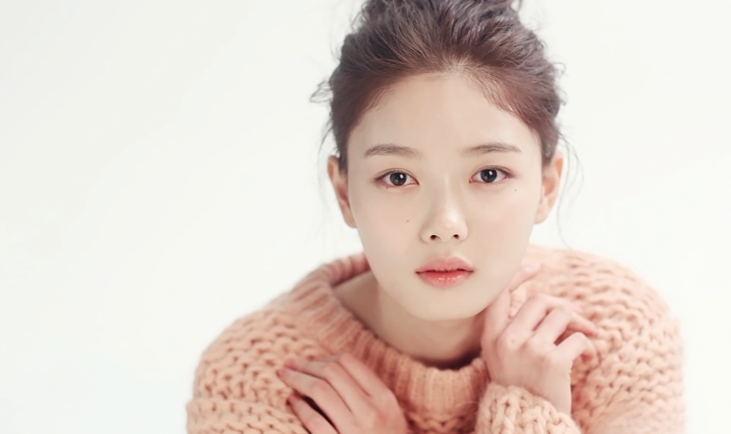 Kim Yoo Jung Criticized For Allegedly Rude Behavior While On Break Due To Illness