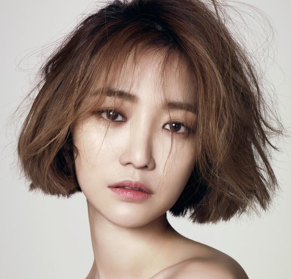 Go Jun Hee Denies Recent Dating Rumors