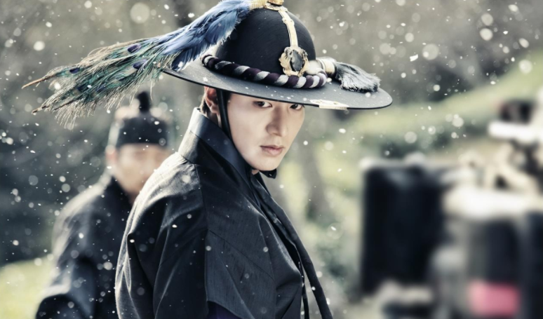 """Lee Min Ho Is K-Drama Action Star Goals On """"The Legend Of The Blue Sea"""""""