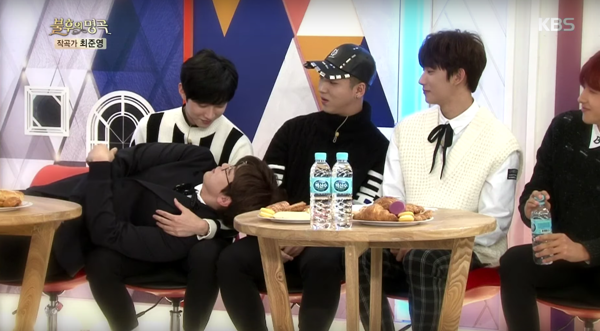 """Watch: B1A4's Sandeul And Jinyoung Make Hearts Flutter With """"Moonlight Drawn By Clouds"""" Parody"""