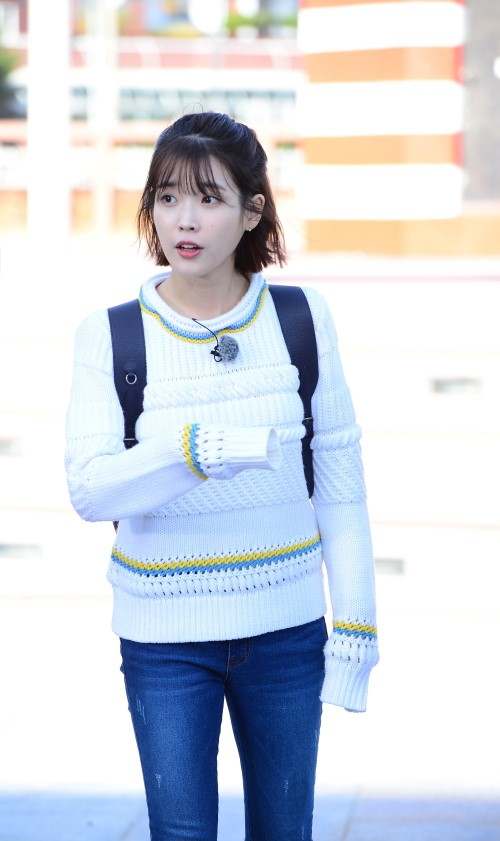"""IU Shows Hilarious New Side On """"Flower Crew"""""""