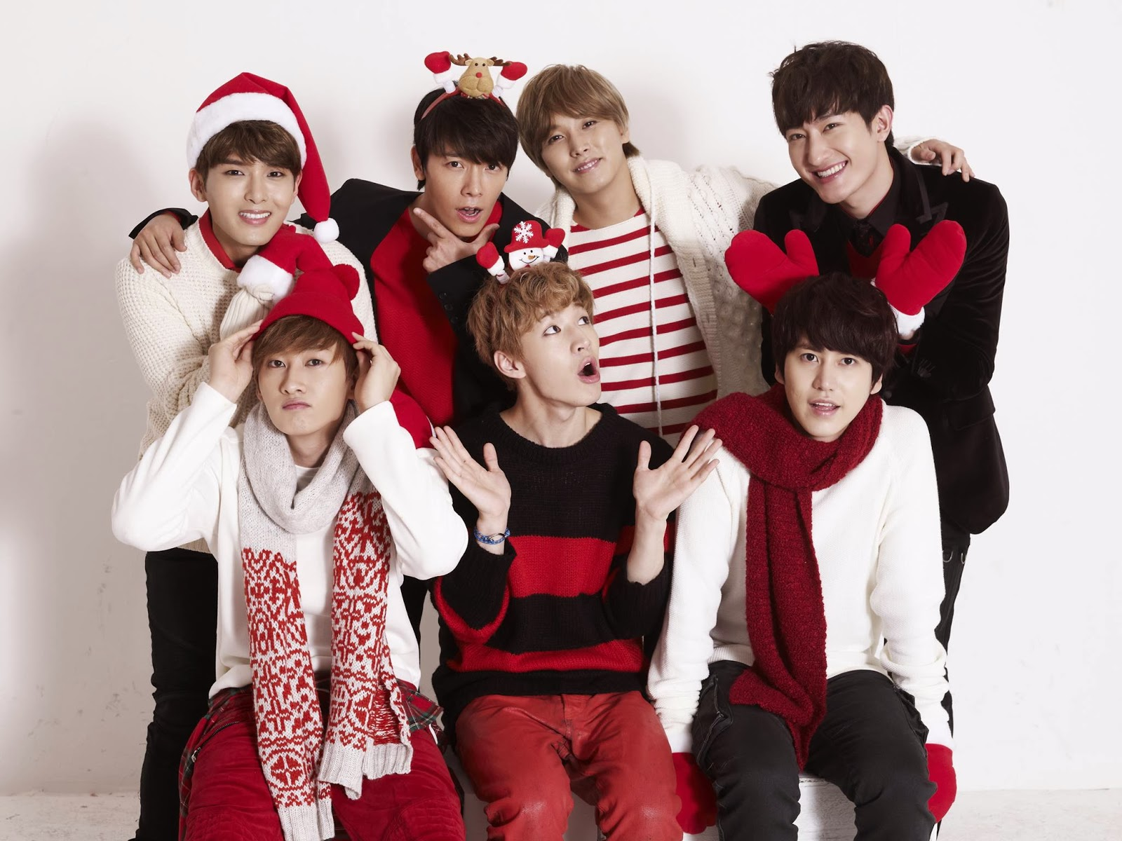 18 K-Pop GIFs That Perfectly Sum Up How We Feel About Christmas