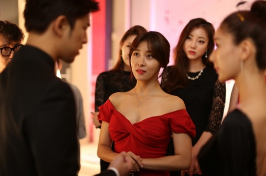 Ha Ji Won Clears Up Dating Rumors Between Her And Chen Bo Lin