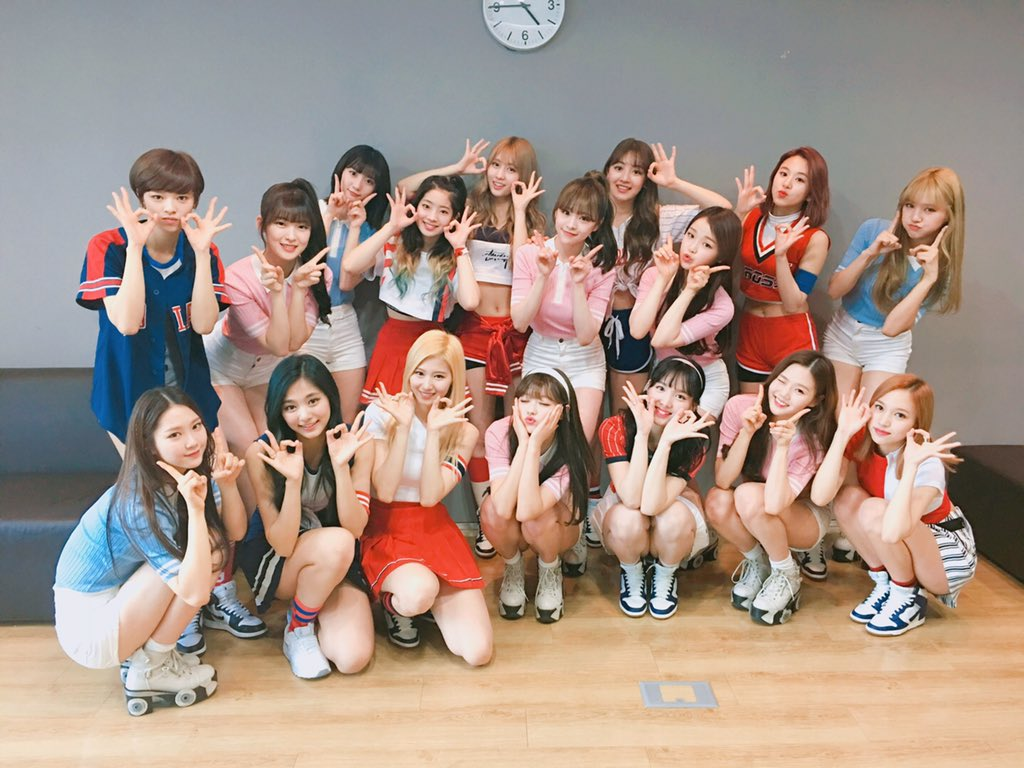 "TWICE And Oh My Girl To Reportedly Prepare Special, Collaborative Stages For ""Music Bank"""