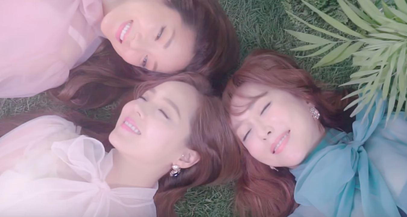 "Watch: S.E.S Drops Colorful And Dreamy MV Teasers For ""Paradise"" And ""Remember"""