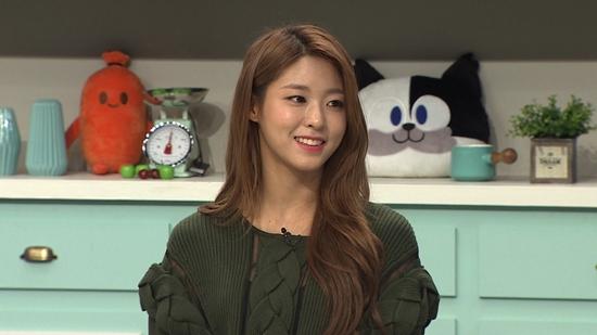AOA's Seolhyun Reveals How She Maintains Her Glamorous Figure