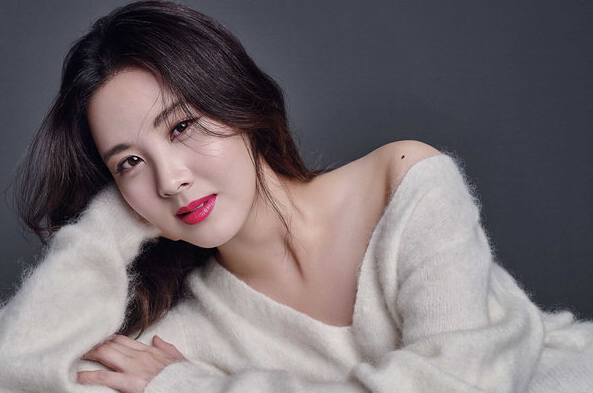 Seohyun Thanks Girls' Generation Members For Support During Solo Promotions