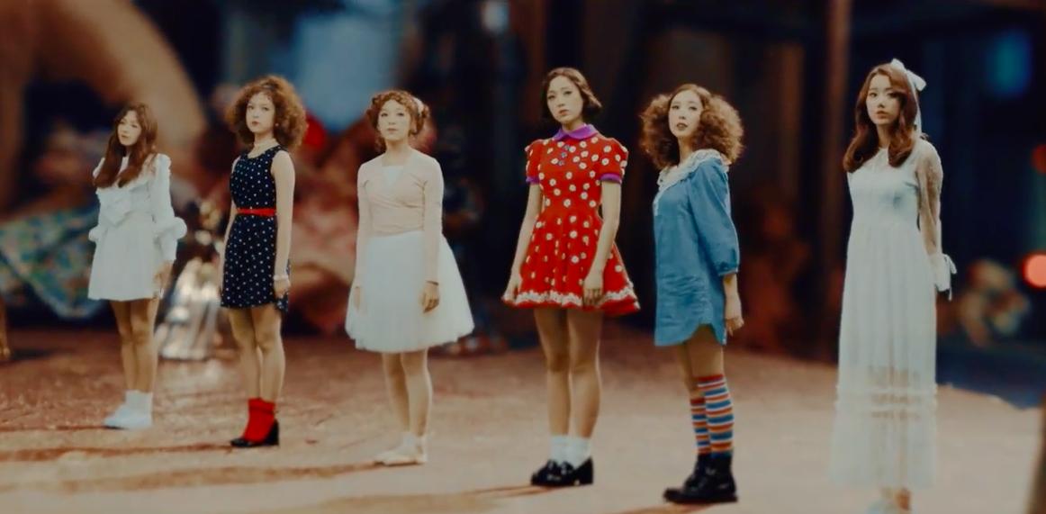 "Watch: APRIL Returns As 6 Cute Dancing Dolls In ""April Story"" MV"