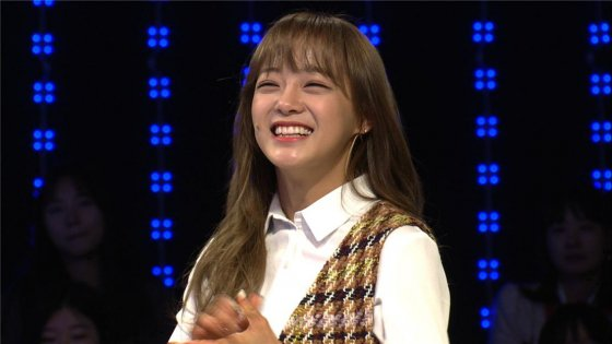 gugudan's Kim Sejeong Opens Up About Her Childhood Dreams And How She Maintains Her Voice