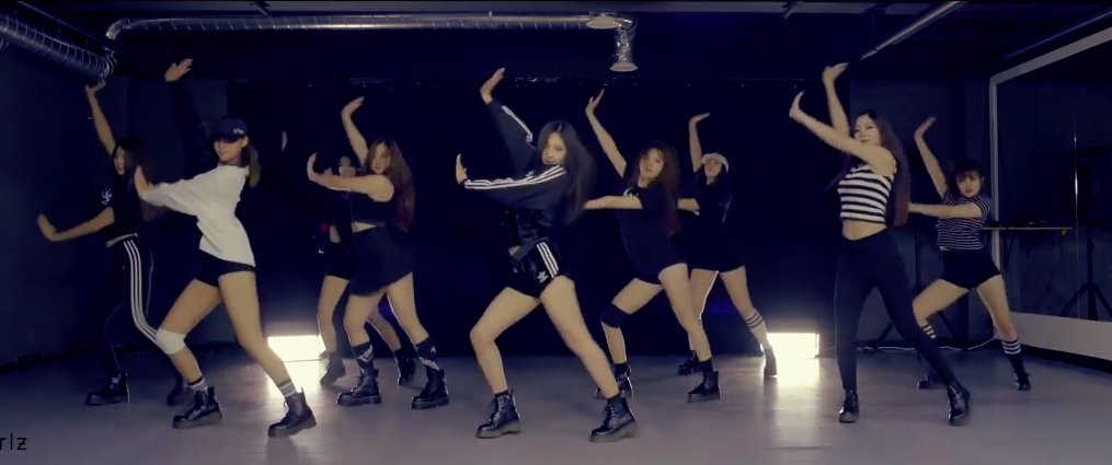 "Watch: Pledis Girlz Covers Girls' Generation's ""Catch Me If You Can"" For 2nd Debut Project"