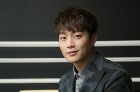 BEAST's Yoon Doo Joon Thanks Shinhwa For Their Advice Regarding Legal Battle