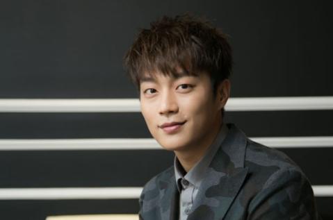 BEAST's Yoon Doo Joon Thanks Shinhwa For Their Advice Regarding Legal Battle