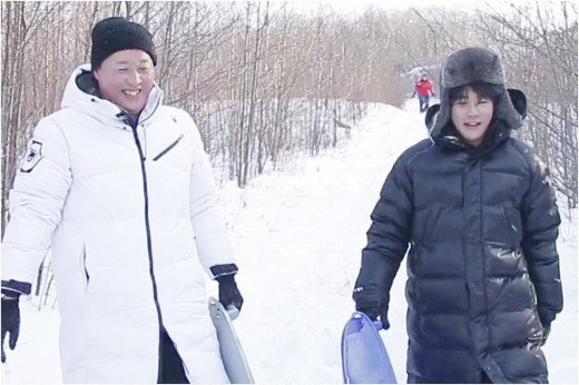Kwon Sang Woo And Jung Joon Ha Enjoy Their Escape To Russia