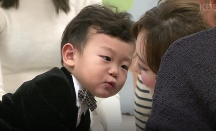 """Daebak Steals TWICE's Hearts On Upcoming """"The Return Of Superman"""""""