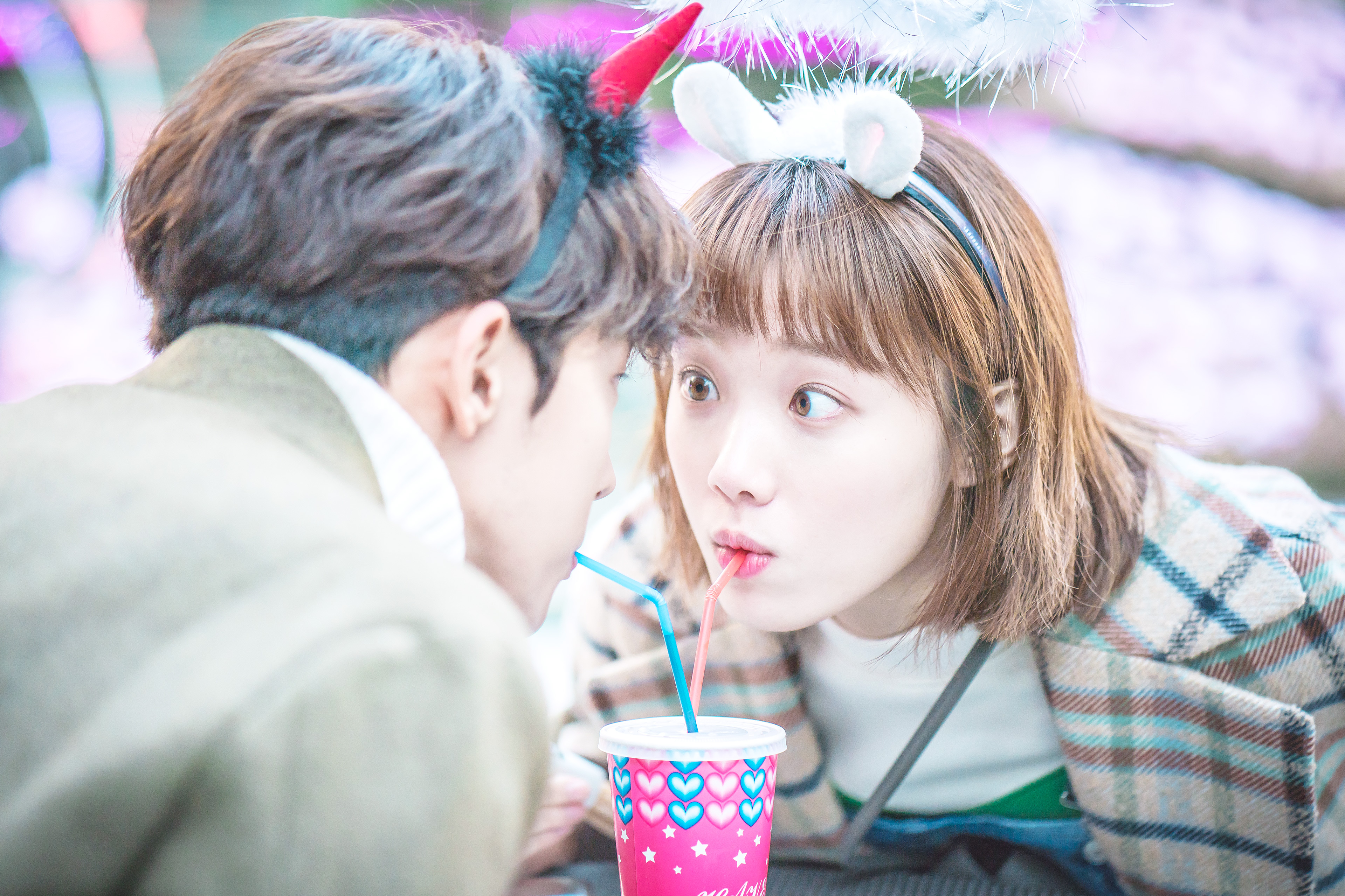 Lee Sung Kyung Talks About Her Innocent First Love Experience