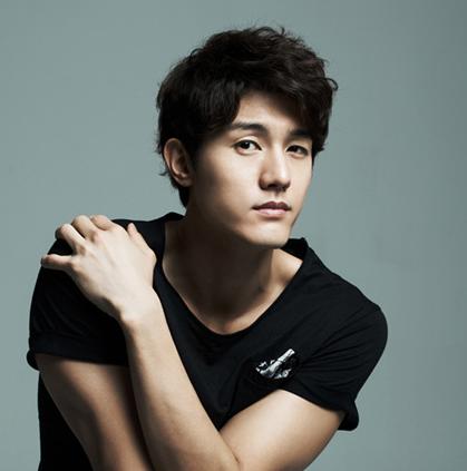 Actor Lee Ki Woo's Father Passes Away