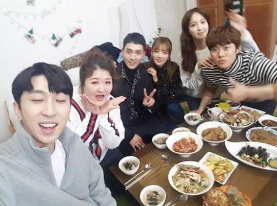 "Sleepy Shares Photo Of ""We Got Married"" Couples From Special Lunar New Year Meal"