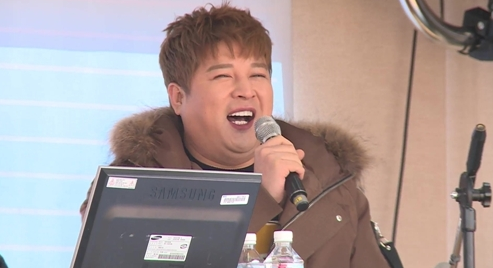 "Super Junior's Shindong Is The Next Prank Target On ""Secretly Greatly"""