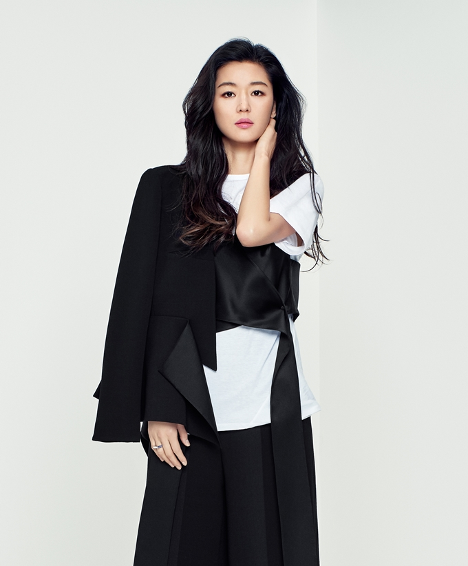 Jun Ji Hyun Is Classy And Chic For New Women's Fashion ...