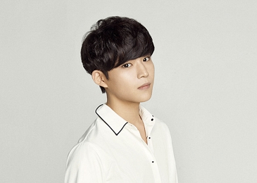 """BOYS24's Lee Hwayoung Says Fans """"Make Him Want To Throw Up"""" + Agency Releases Official Statement"""