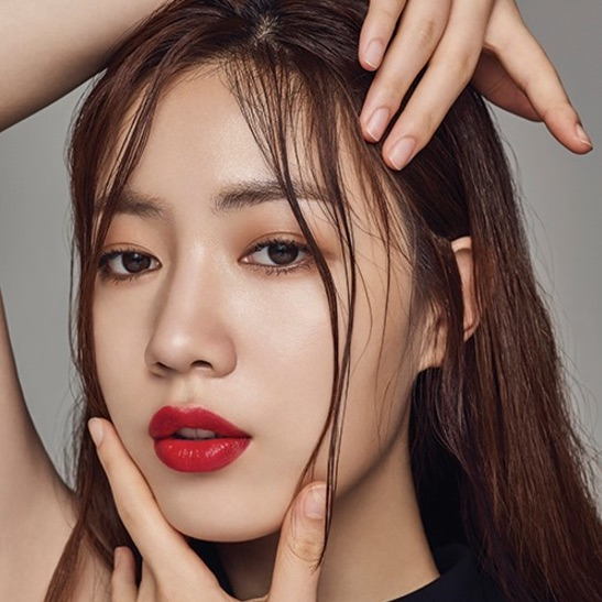 Ryu Hwayoung Posts On Social Media For First Time After Controversy