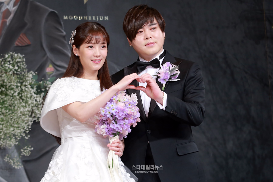Moon Hee Jun Apologizes And Thanks Fans As He Ties The Knot With Crayon Pop's Soyul