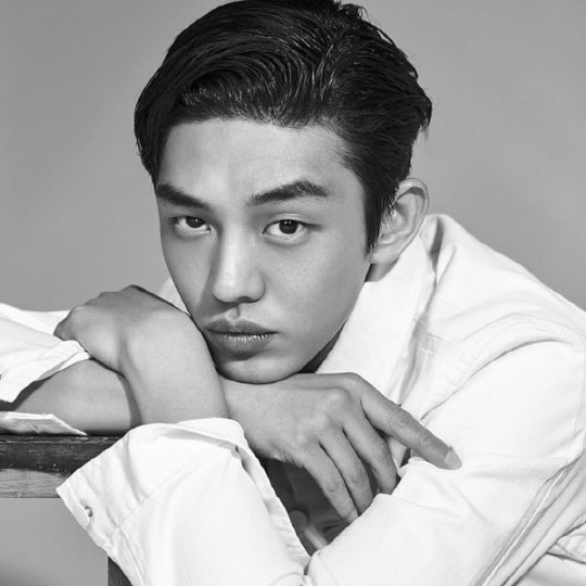 Yoo Ah In Steps Forward To Address Speculations Of Enlistment Evasion