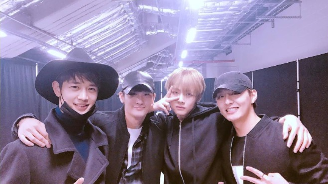 """Hwarang"" Cast And Rapper Sleepy Share Photos With BTS From Backstage At Concert"