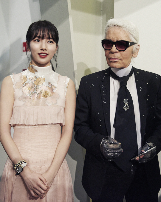 Suzy Looks Absolutely Stunning In Milan With Fashion Designer Karl Lagerfeld