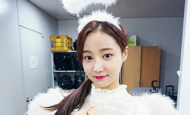 MOMOLAND's Yeonwoo Returns After Recovering From Injury