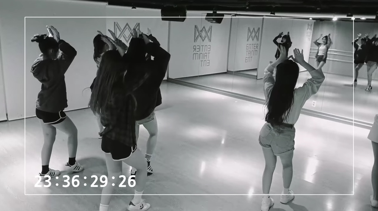 """Update: Oh My Girl Gives Sneak Peek Of Choreography For """"Coloring Book"""" In New Teaser Video"""