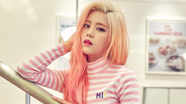 "AOA's Hyejeong Confirmed As New ""SNL Korea"" Cast Member"