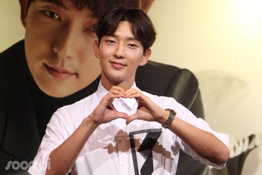 Lee Joon Gi_Rebby_0099