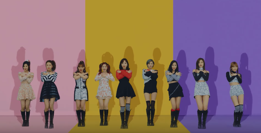 """TWICE Continues To Break Their Own YouTube Record With """"Knock Knock"""""""