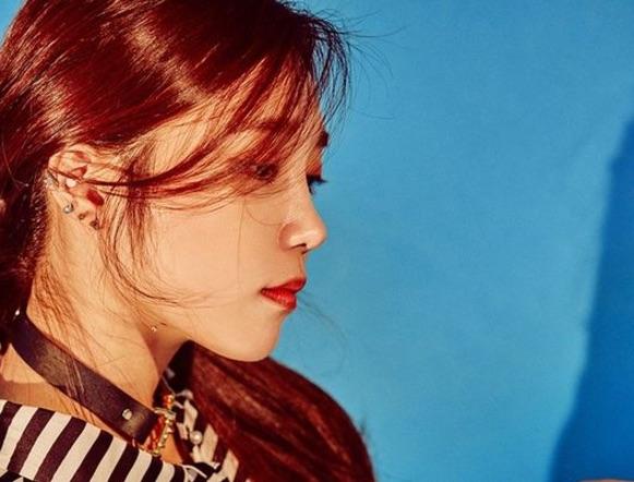 Apink's Jung Eun Ji To Make Solo Comeback