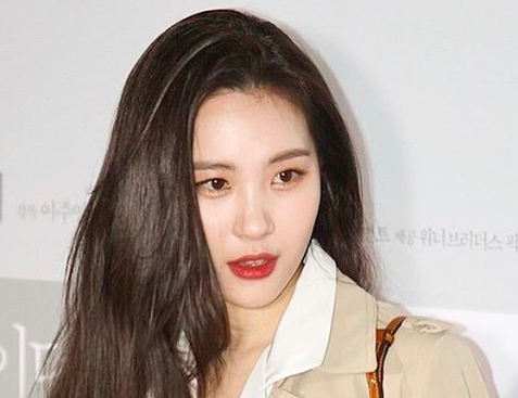 Sunmi Confirmed To Have Signed With MakeUs Entertainment