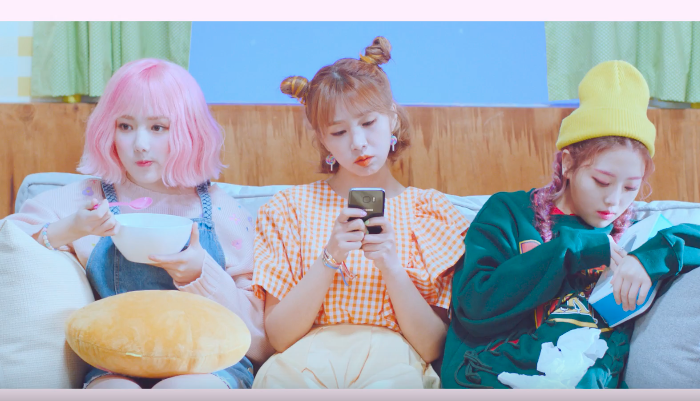 "Watch: GFRIEND's Yerin, FIESTAR's Cao Lu, And Kisum Wish For Love In New ""Spring Again"" Music Video"