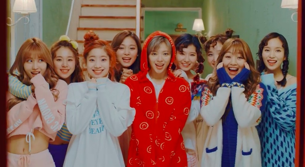 "TWICE Takes Home 8th Win With ""Knock Knock"" For Third Week Of March On ""Music Bank"""