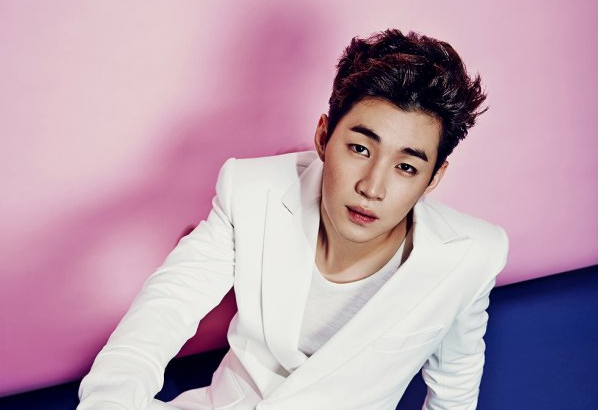 """Super Junior's Henry Touched By Unexpected Success Of His New Song """"Girlfriend"""""""
