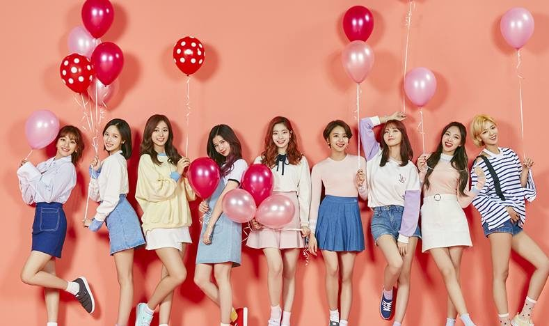 "TWICE Gets 9th Win And Triple Crown With ""Knock Knock"" For Third Week Of March On ""Inkigayo"""