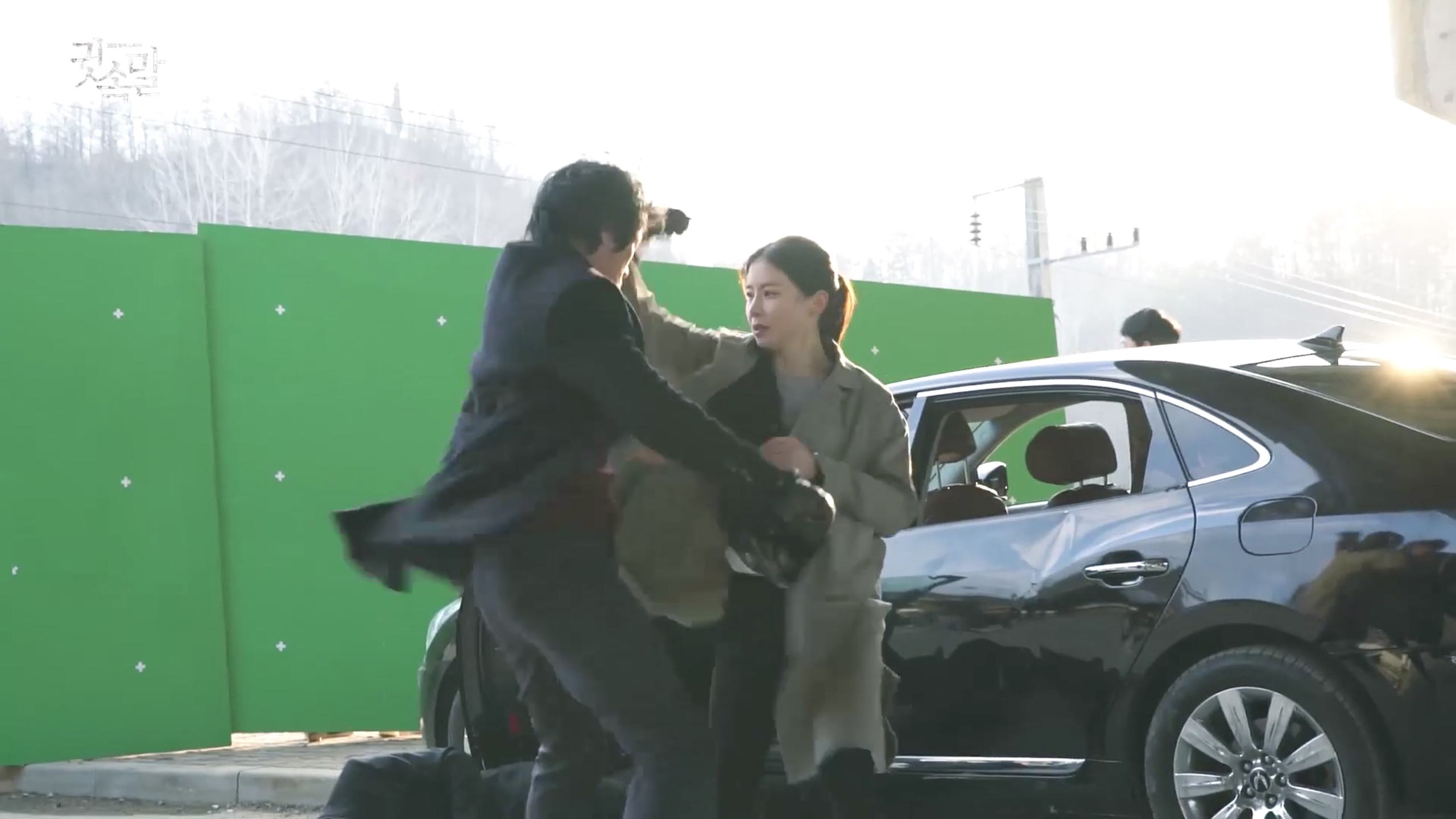 "Lee Bo Young Takes On Action Scenes Like A Pro For SBS's ""Whisper"""