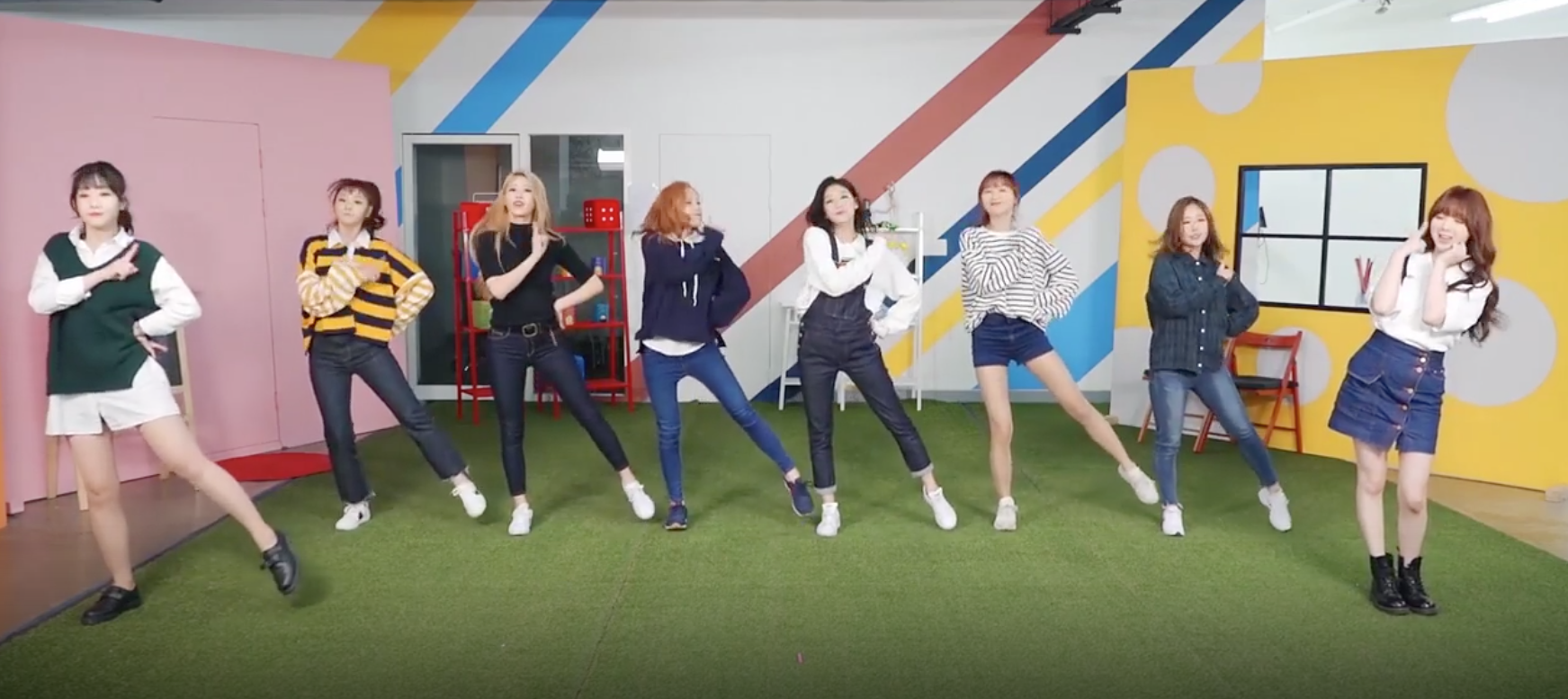 """Watch: Lovelyz Releases Dance Practice Video For """"WoW!"""" As Full 8-Member Group"""
