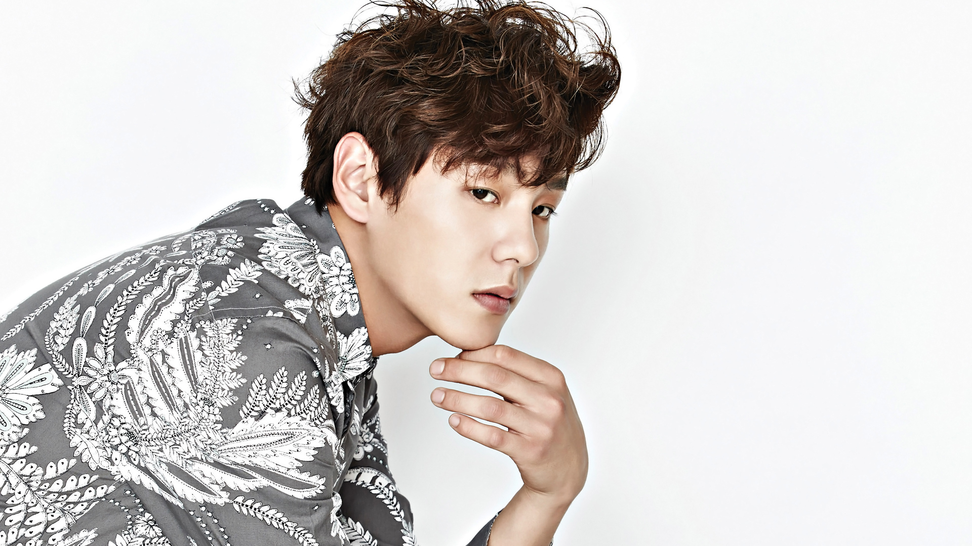 """Kwak Si Yang To Star Opposite Yoo Ah In For tvN's """"Chicago Typewriter"""""""