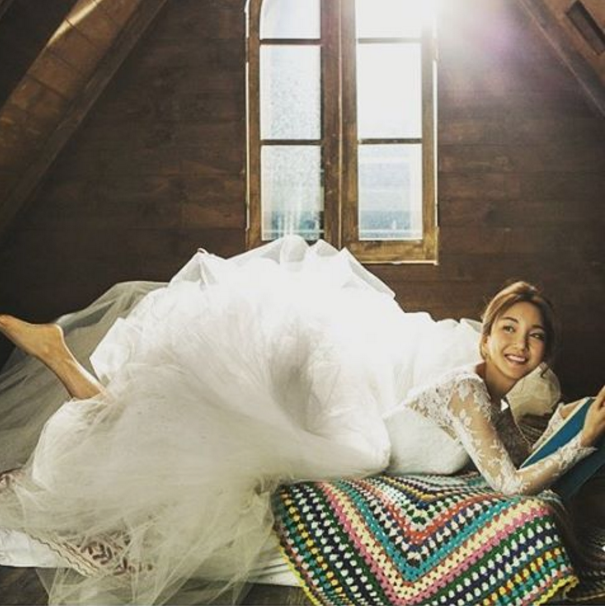 Celebrities Gather At S.E.S.'s Bada's Wedding, One Currently Dating Actress Catches Bouquet